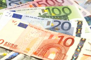 Summer Takeover Euros